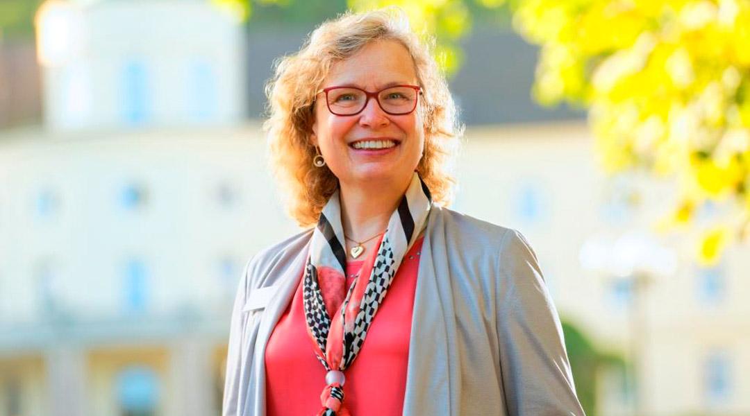 Frau Dr. Schulze Chefärztin Psychosomatik