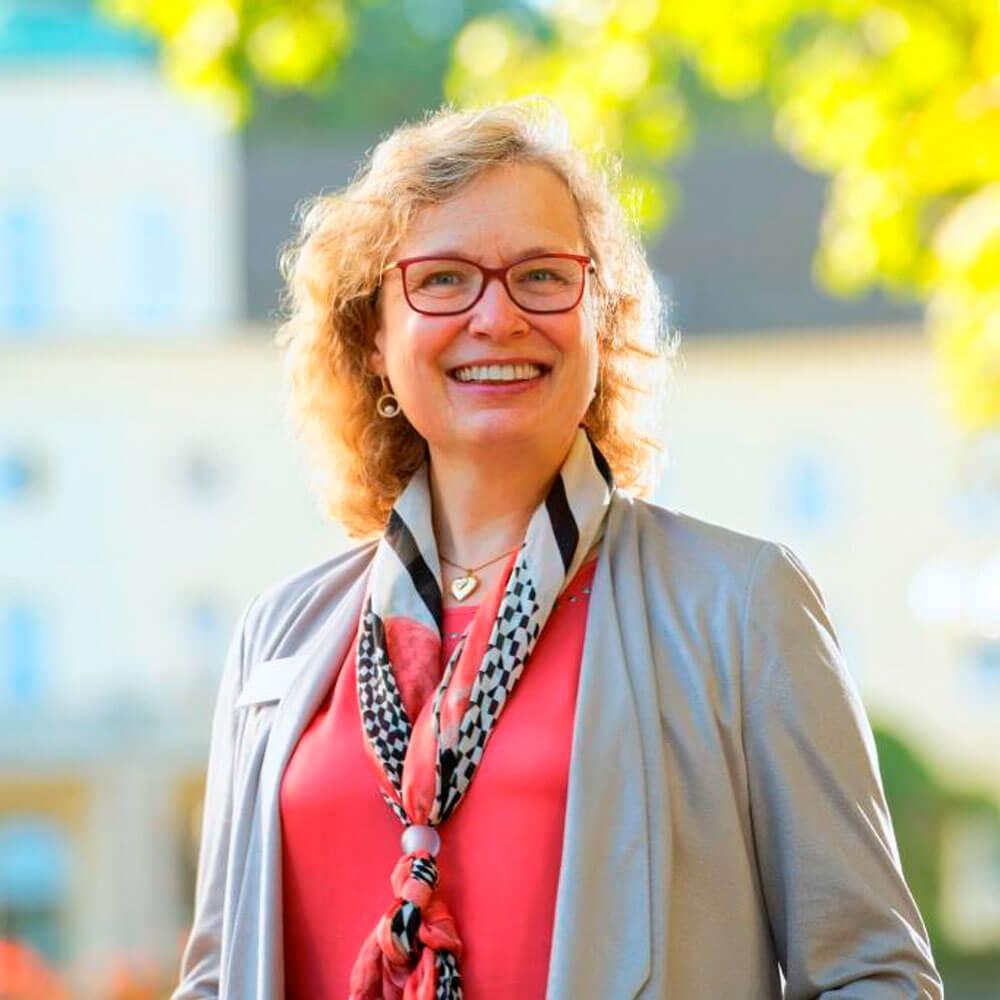 Frau Dr. Schulze Chefärztin