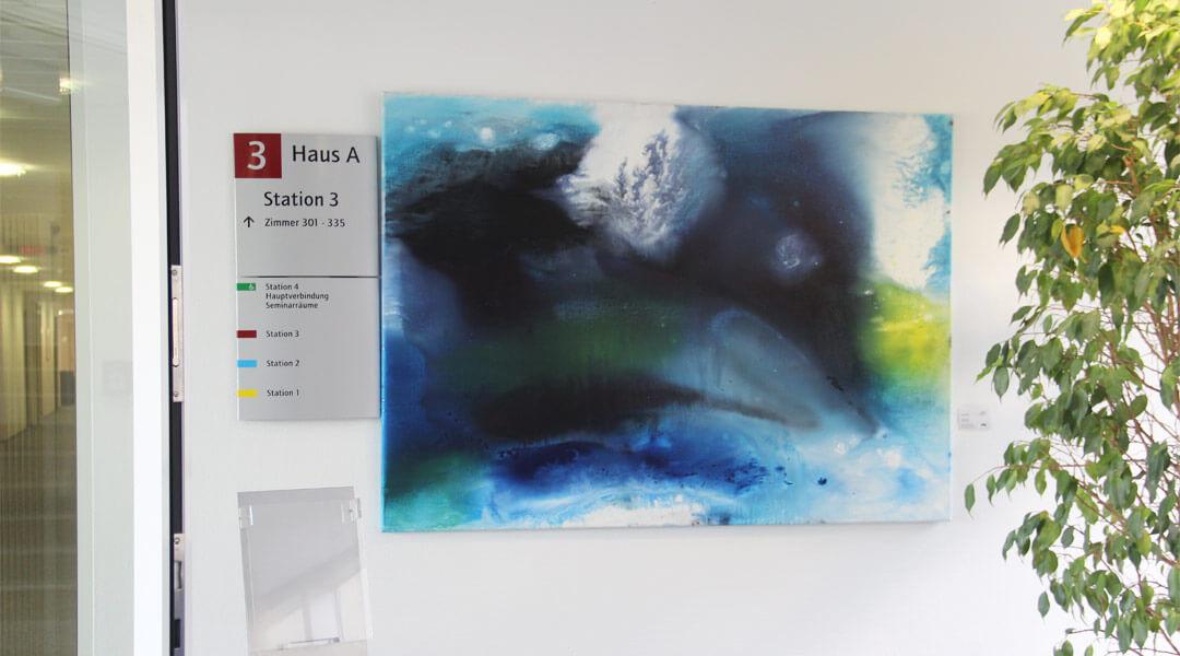 Kunstausstellung Bild an der Wand der Park Klinik