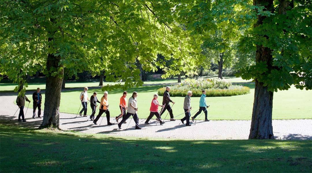 Nordic Walking Gruppe an der Park Klinik