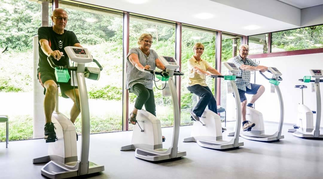 Übungen auf dem Ergometer in der Park Klinik